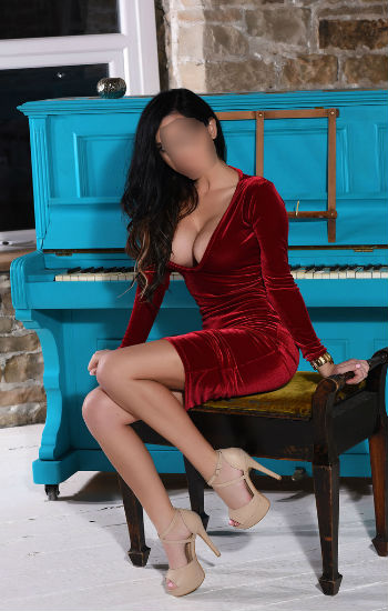 Devika independent delhi escort